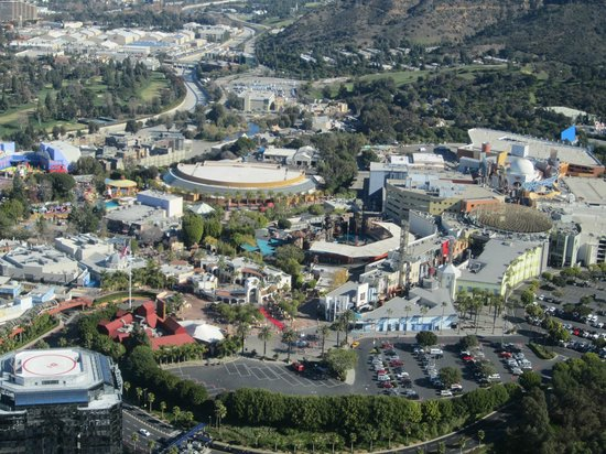 Elite Helicopter Tours: Overlooking Universal