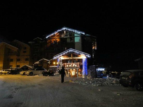 Hotel Les Campanules : Hotel de nuit