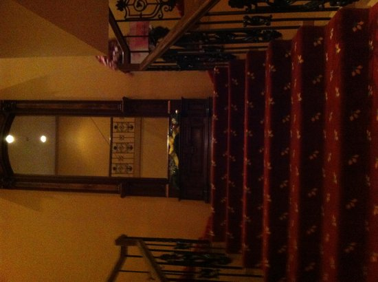 The Inn at the Peak: Lots of stairs!!