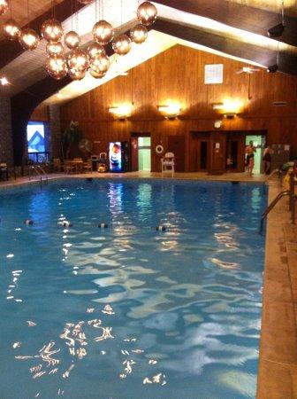 The Inn at the Peak: Very nice pool