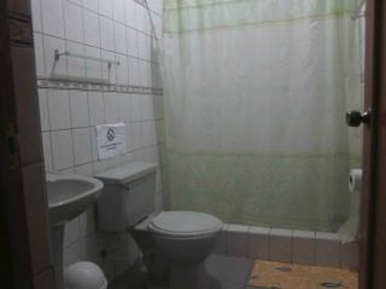 Hotel San Marcelo: Bathroom