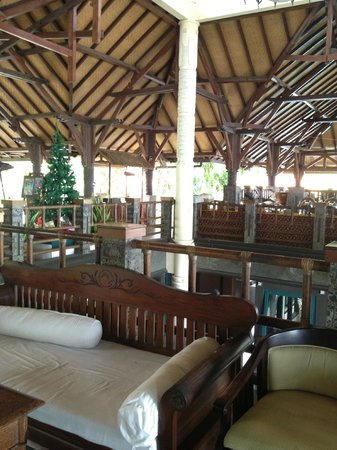 Nugraha Lovina Seaview Resort: Lobby