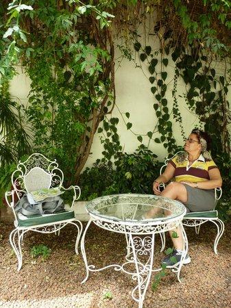 Hotel Tiana: Pequenos espaços para descanso/leitura