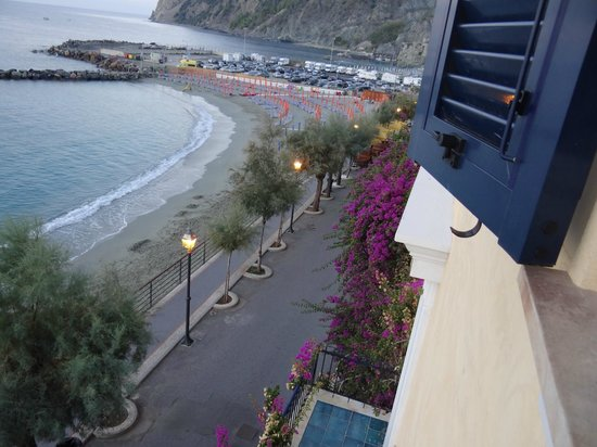 B & B La Bougainvillea : View from our room