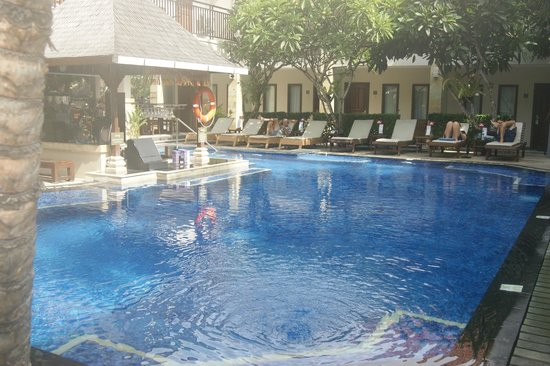 The Niche Bali: Pool always pristine .