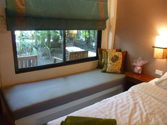 The Viridian Resort: Bedroom window over looking garden
