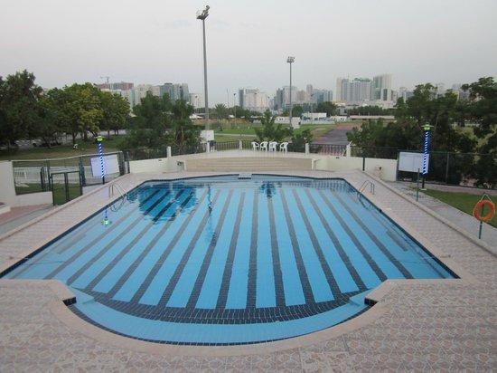 Dubai Youth Hostel : Swimming Pool