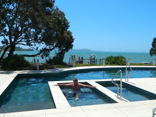 Paihia Beach Resort & Spa: lots of pools to choose from