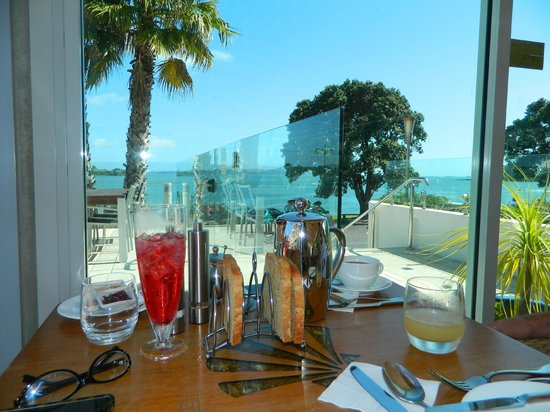Paihia Beach Resort & Spa: View from table
