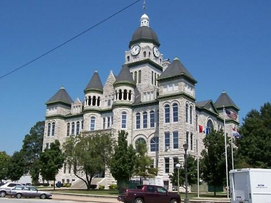 Jasper County Courthouse: Carthage Courthouse