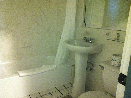 Best Western Pioneer Inn: Bathroom