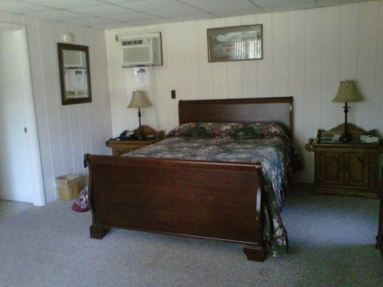 Mt. Haven Resort & Restaurant: Comfy bed in room