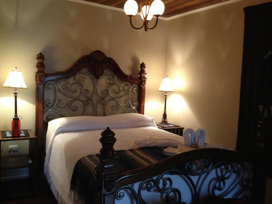 Angel Valley Bed and Breakfast : our room