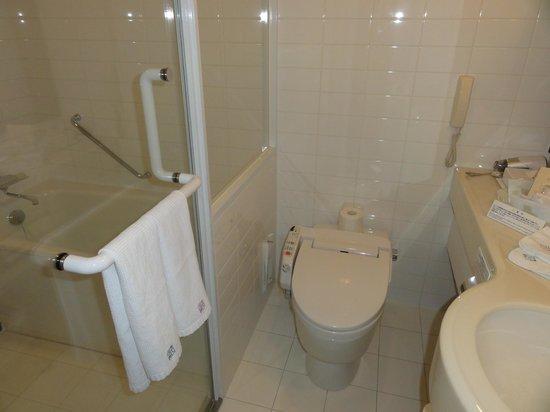 JRタワーホテル日航札幌, bathroom