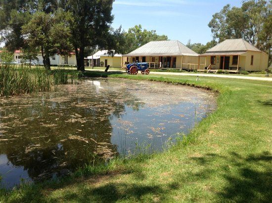 Inverell Pioneer Village: Looking across the lake to the old pub.