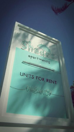 Shades Resort: Entrance