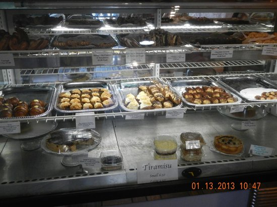 Gio's Gelato and Italian Pastry: pastries shelves