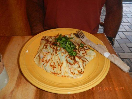 Gio's Gelato and Italian Pastry: breakfast crepe complete