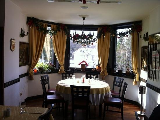 Heraldic Club : the restaurant