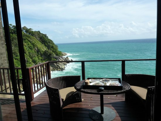 Paresa Resort Phuket: Lunch on our balcony