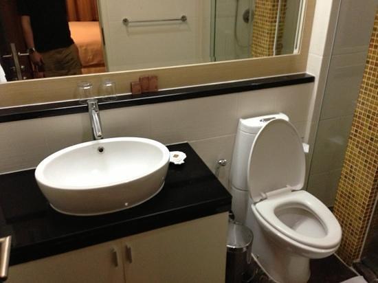 フレイザー プレイス ラングスアン バンコク, シャワールーム