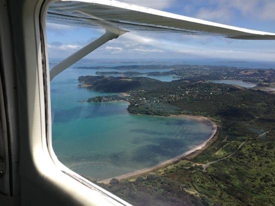 Flight Hauraki: Heading to Auckland airport.