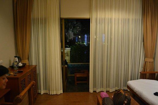 Rawai Palm Beach Resort: Room overlooking the balcony & private pool area.