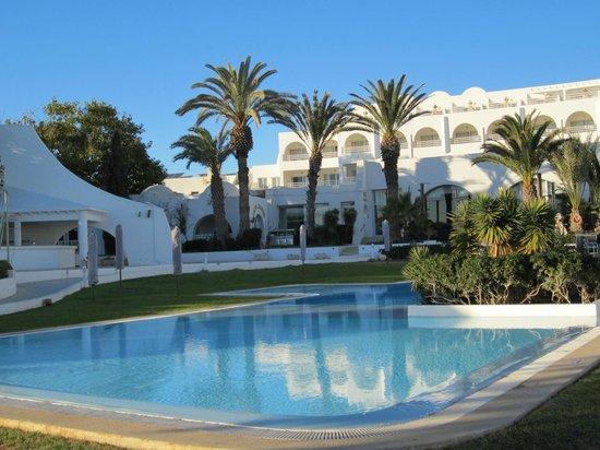 SENTIDO Le Sultan: piscine