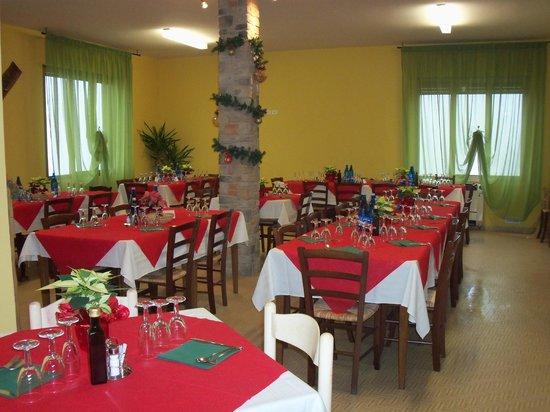Azienda agricola Fonte de' Piani: Sala da pranzo Fonte de' Piani
