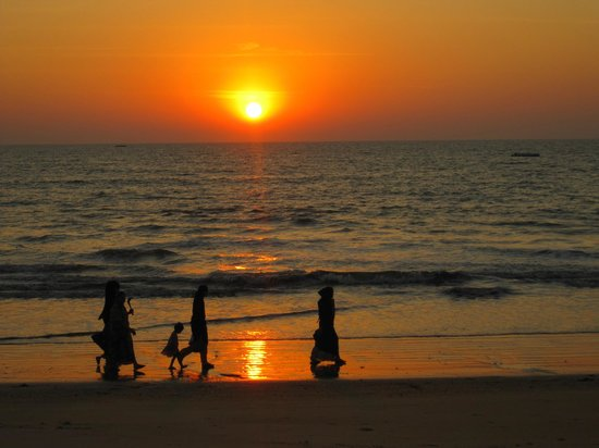 Sai Vishram Byndoor: sunset at the beach