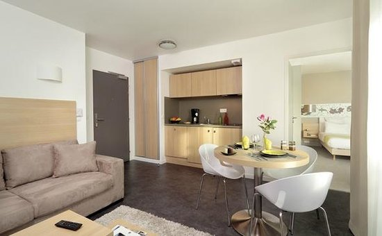 Appart'City Confort Paris Rosny Sous Bois : Park&Suites Elegance Rosny Sous Bois - 1-bedroom Apartment
