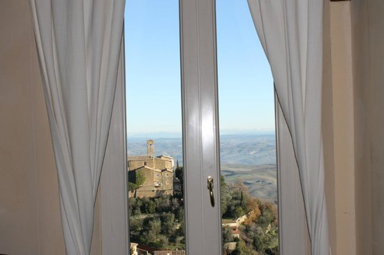 Il Giglio Hotel and Restaurant: Vista da Janela.2