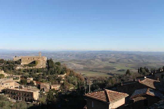 Il Giglio Hotel and Restaurant: Vista da Janela