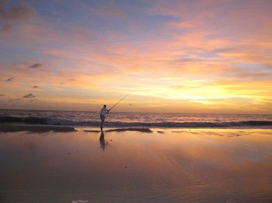 Morrungulo Bay: Early morning fishing