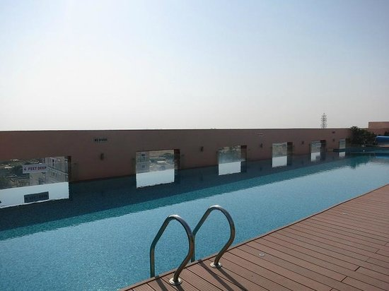 Hotel Royal Orchid, Jaipur: pool