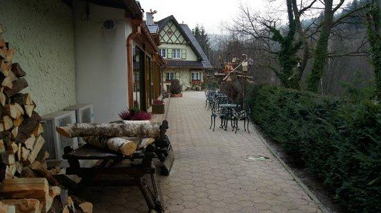 Hostellerie La Cheneaudiere - Relais & Chateaux: Extérieur
