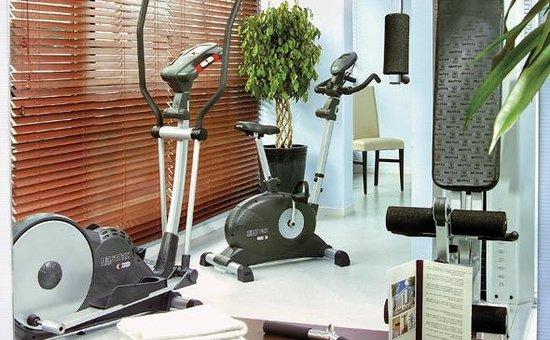 Park & Suites Confort Annemasse : Park&Suites Confort Annemasse - Fitness Room