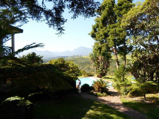 Far Hills Country Hotel: Garden