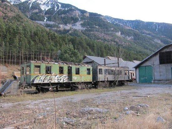 Estacion Internacional de Canfranc: 構内に残る廃車