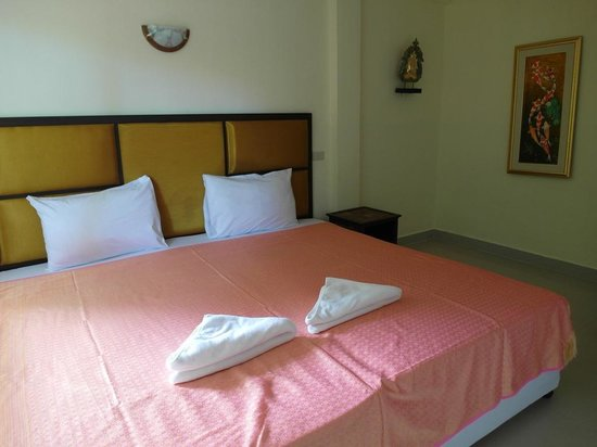 Samui Beach Resort: Double bed