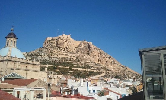 Hospes Amerigo: View to the forthress