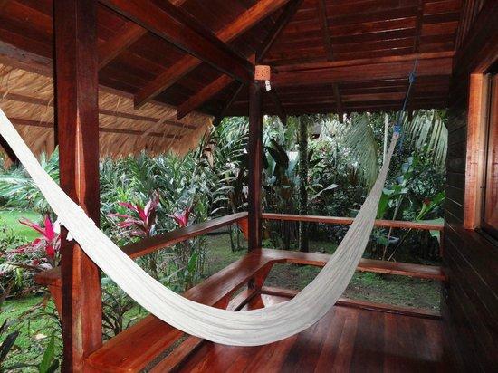Cariblue Hotel: veranda del bungalow superior