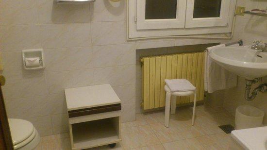 Hotel Continental Venice: bagno
