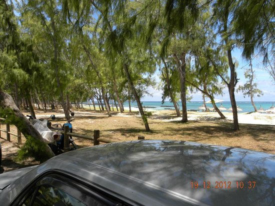 Emeraude Beach Attitude: Beach opposite hotel