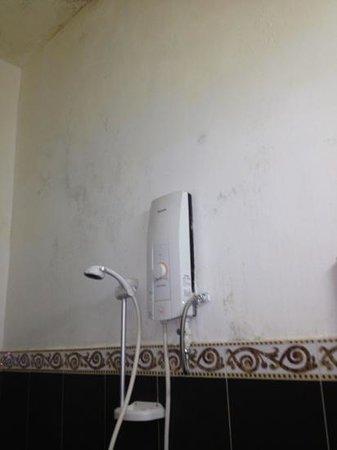 Number 9 Hotel: salle de bain