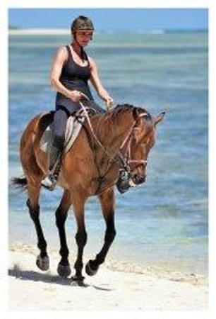 Centre Equestre De Riambel: Riding on the beach