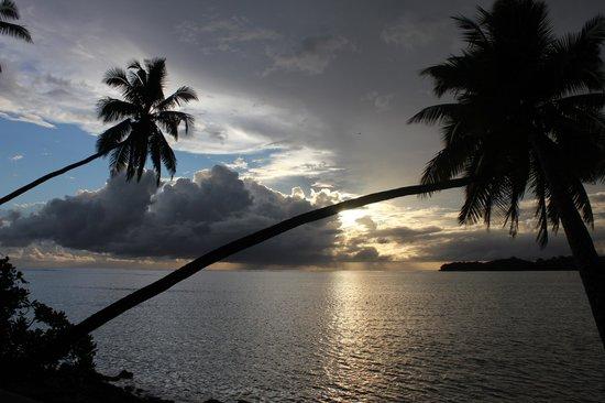 شانجريلاس فيجيان ريزورت آند سبا: Sunset 