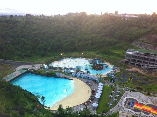 Stevie G Hotel: pemandangan kampung gajah dari room lantai 2