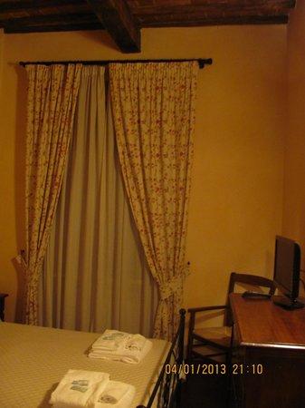 Residenza Palazzo Saloni: bedroom