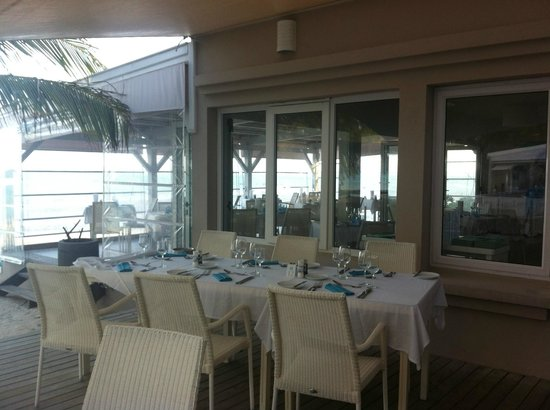 Astroea Beach Hotel: Dining for lunch